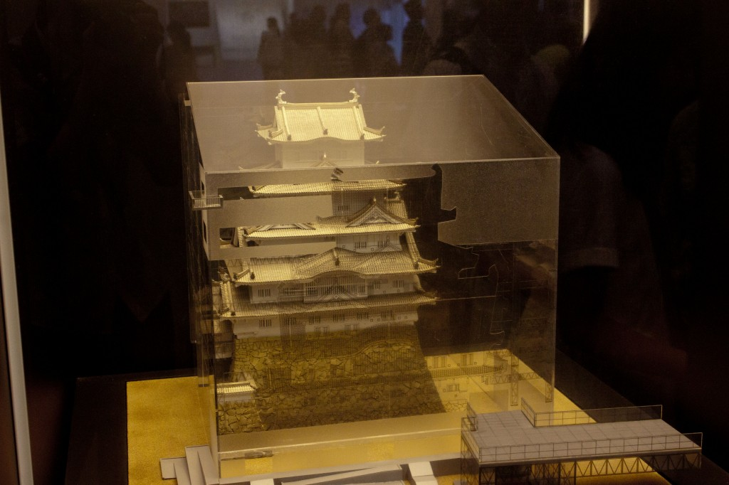 11_姫路城と覆い模型