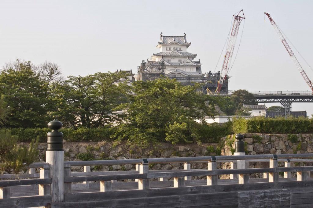 14_姫路城と桜門橋