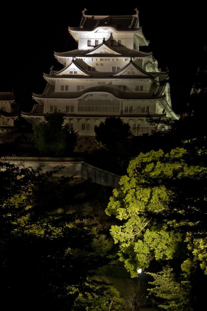 13_姫路城東側と木々の緑