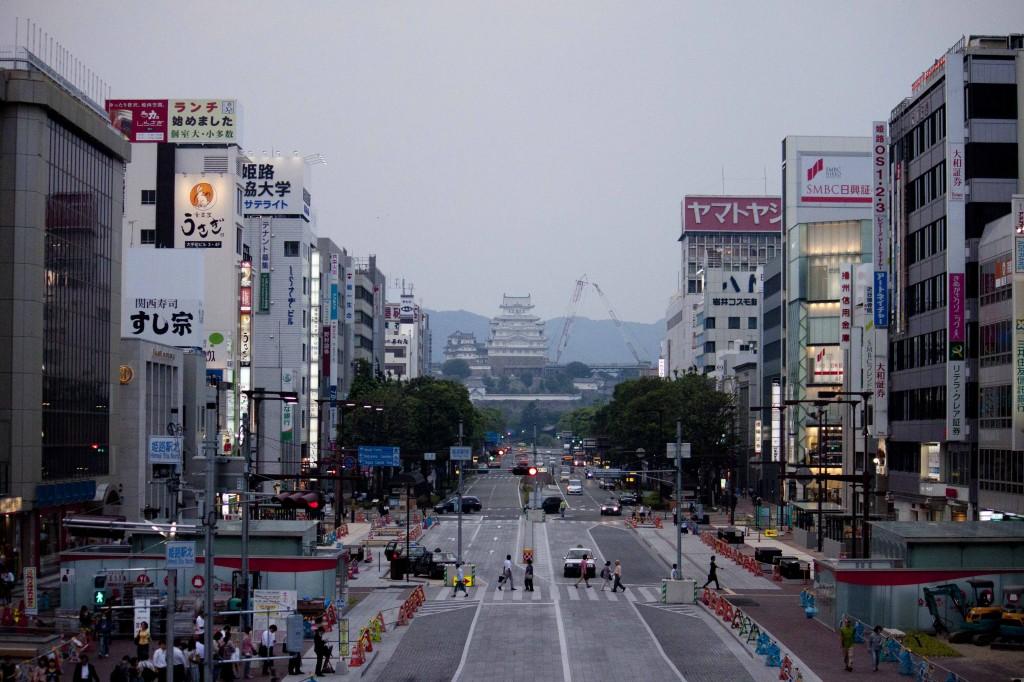 29_城見櫓から姫路城を望む(裸眼風)