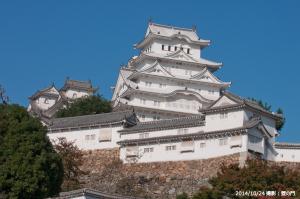 04_菱の門前(C)