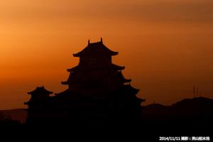 07_朝焼けの空と姫路城