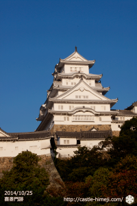 vs-kisai_gate_02