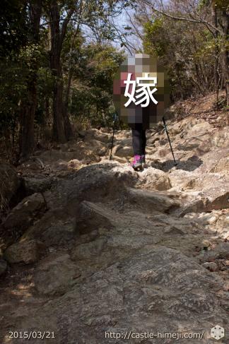 shosha-climbing-on-foot_06